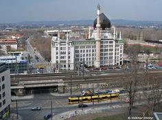 Luftaufnahme: Straßenbahn vor der Yenidze in #Dresden