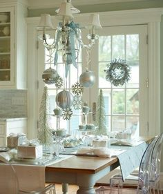 Love this!  This could be my dining room.