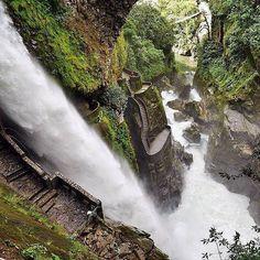 Pailon del Diabloe, Baños, Ecuador.