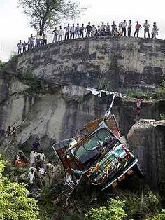 16 Amarnath Yatra pilgrims killed in road accident