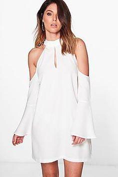 ¡Consigue este tipo de vestido informal de Boohoo ahora! Haz clic para ver los detalles. Envíos gratis a toda España. Dana Cold Shoulder Flute Sleeve Shift Dress:  (vestido informal, casual, informales, informal, day, kleid casual, vestido informal, robe informelle, vestito informale, día) Dress Skirt, Dress Up, Fashion Outfits, Fashion Clothes, Boohoo, Cold Shoulder Dress, White Dress, Flute, My Style