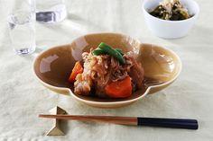 木瓜鉢・木瓜長鉢 (瑞々)   深皿・ボウル・蕎麦猪口   cotogoto コトゴト Thai Red Curry, Beef, Ethnic Recipes, Tablewares, Food, Meat, Dinner Ware, Dinnerware, Meal