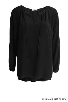 Rubina Bluse Black von KD Klaus Dilkrath #rubinablouse #rubina #blouse #shirt #black #kdklausdilkrath #outfit #boho #fashion #top #kdklausdilkrath #kd #dilkrath #kd12 #outfit