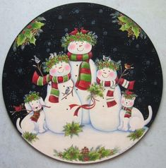 Christmas is sneaking up on us! June Art Studio painted this snowmen family posing with their cat and dog. Christmas Plates, Christmas Snowman, Vintage Christmas, Christmas Crafts, Christmas Ornaments, Xmas, Christmas Printables, Christmas Themes, Christmas Decorations