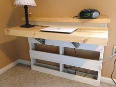 Repurposed Pallet Desk van SaratogaOriginals op Etsy