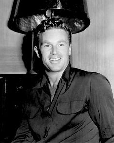Actor Sterling Hayden starred in many film noir thrillers in the Visit Brian's Drive-In Theater for photos, biography and filmography information, and DVD and memorabilia sources for actor Sterling Hayden. Old Hollywood Stars, Hooray For Hollywood, Old Hollywood Glamour, Hollywood Actor, Golden Age Of Hollywood, Classic Hollywood, Male Movie Stars, Classic Movie Stars, Classic Movies