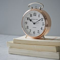 Beautiful old fashioned alarm clock in a stunning copper finish. This is the perfect accessory to compliment your bedside table.