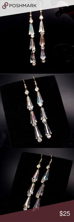 Elegant dangling earring Want to look classy and sophisticated without giving up your style? Then these are perfect for you! Where them to dinner, a special event, or where ever you'd like! They have a nice amount of shine without being too flashy Jewelry Earrings