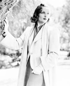 Carole Lombard photographed in 1939 for Memory of Love (Source: lucynic83)