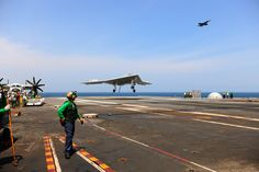 Don't try this with your backyard drone. The X-47B has made its first arrested landing on an aircraft carrier, and the world of unmanned aircraft may never be the same. Read this article by Jonathan Skillings on CNET News. via @CNET