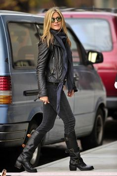 <3 the outfit! Want the boots!black is the best!