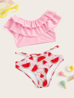 To find out about the Toddler Girls Tiered Layer Top With Cut-out Bikini Set at SHEIN, part of our latest Toddler Girl Swimwear ready to shop online today! Swimsuits For Tweens, Bathing Suits For Teens, Cute Bathing Suits, Cute Swimsuits, Cut Out Bikini, Bikini Set, Cute Sleepwear, Pink Swimsuit, Layered Tops