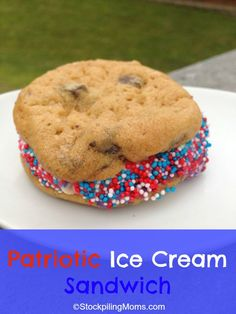 Patriotic Ice Cream Sandwich is an easy dessert to make for the kids #July4th #MemorialDay #Summer