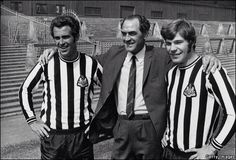 Newcastle United manager Joe Harvey with Bob Moncur and Malcolm Macdonald Malcolm Macdonald, Newcastle United Football, Football Images, St James' Park, Vintage Football, Saint James, Black N White, Old Photos, Bobby