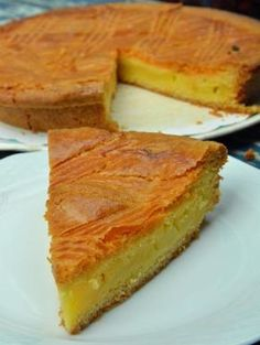 - 750 grams offers this recipe: Basque cake. Recipe rated by 49 voters and 4 comments. Sweet Recipes, Cake Recipes, Dessert Recipes, Gateau Basque Recipe, Basque Cake, French Cake, Thermomix Desserts, French Pastries, Food Cakes