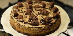STOP! Kinder Bueno time! In de vorm van een cheesecake welteverstaan. Check het Kinder Bueno cheesecake recept op Fashionlab.