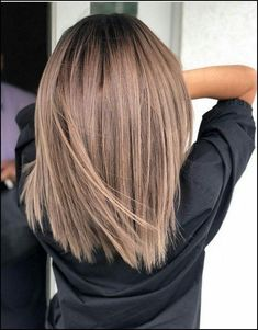50 chic and trendy straight bob hairstyles and colors that .- 50 schicke und trendige Straight Bob-Frisuren und Farben, die besonders aussehen… 50 chic and trendy straight bob hairstyles and colors that look special – balayage – - Longbob Hair, Straight Bob Haircut, Haircut Bob, Haircut Short, Brown Blonde Hair, Hair Color Brunette, Toffee Hair Color, Caramel Hair With Blonde Highlights, Balayage Highlights