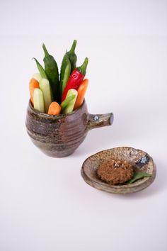 Slab Pottery, Deco Furniture, Display Design, Kitchen Utensils, Ceramic Art, Food Art, Decorative Bowls, Diy And Crafts, Soap Dishes
