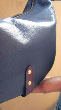 Navy Big Caro, Chiaroscuro, India, Pure Leather, Handbag, Bag, Workshop Made, Leather, Bags, Handmade, Artisanal, Leather Work, Leather Workshop, Fashion, Women's Fashion, Women's Accessories, Accessories, Handcrafted, Made In India, Chiaroscuro Bags - 4