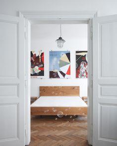 / oak bed and nightstands for a Prague apartment / ⠀⠀⠀⠀⠀⠀⠀⠀⠀ 🖼: @nikola.logosova 📷: @boysplaynice ⠀⠀⠀⠀⠀⠀⠀⠀⠀ #dubahardwood #Czechdesign #woodworkshop #oakfurniture #boysplaynice #oakbed #oaknightstand #pragueapartment Prague Apartment, Oak Nightstand, Oak Beds, Joinery, Woodworking Shop, Solid Wood, Hardwood, Night Stands, Interior Design