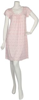Miss Elaine® Short Sofiknit gown. Designed with a round neckline with self fabric band and short cap sleeves. Tiny bow at neckline. Lightweight and the perfect travel gown. Imported Pink lace print. Matching Robe 356443. WOMENS AND PETITE SIZES AVAILABLE. Our Price: $54.00 http://www.mesleepboutique.com/product-p/206453.htm