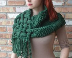 Another one I can imagine making with crochet. Knitting Pattern Celtic Woven Scarf - Can be worn as a hooded cowl. Quick knit in chunky yarn tba Poncho Crochet, Crochet Scarves, Knit Or Crochet, Crochet Hats, Chunky Crochet, Loom Knitting, Free Knitting, Outlander Knitting Patterns, Cozy Scarf