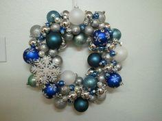 Christmas Ornament wreath, snow themed