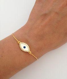 Lucky Evil Eye Bracelet Delicate Everyday Jewelry 12 00 Via Etsy
