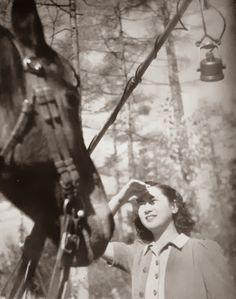 setsuko hara  原 節子 on set   Hikaru to Kage  (光と影) (1940)