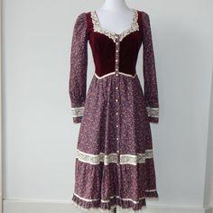 GUNNE SAX Vintage Burgundy Velvet Top Floral Liberty Print Lace Trim Prarie Dress 9 S