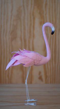 Flamant rose en coton par ateliercaroline sur Etsy, $70.00