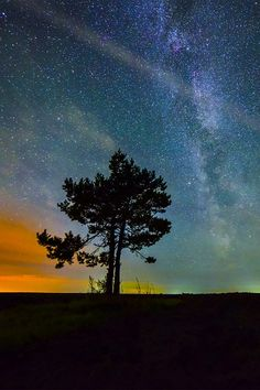 Autumn Night Sky by Evgeniy Zaytsev Beautiful Sky, Beautiful Pictures, Amazing Photos, Beautiful Things, Aurora, Amazing Photography, Nature Photography, Sky Full Of Stars, Earth From Space