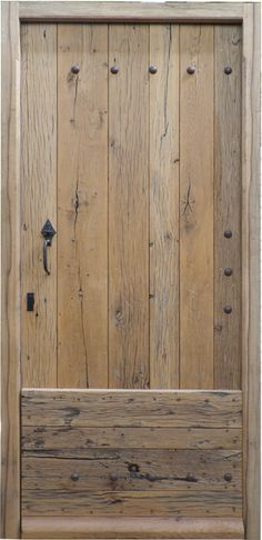 Solid oak wood entrance door Source by laurettracy Log Cabin Exterior, Chalet Interior, Barn Renovation, Entrance Doors, Front Doors, Barn Doors, Internal Doors, Door Knockers, Kit Homes