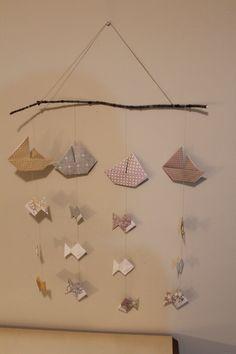 Cet artikel n& pas disponible, Diy Origami, Origami Mobile, Origami Paper Art, Twig Art, Baby Room Diy, Baby Mobile, Japanese Paper, Kirigami, Chandeliers