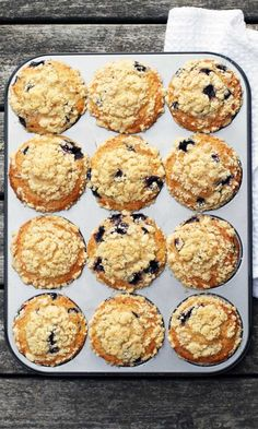Amerikkalaiset mustikka-murumuffinssit | Maku My Recipes, Baking Recipes, Sweet Recipes, Dessert Recipes, Favorite Recipes, Desserts, Finnish Recipes, Sweet Pastries, Sweet Cakes
