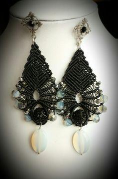 Macrame earrings #macramè #macrame #simona #rotaris Macrame Rings, Macrame Jewelry, Tatting Jewelry, Macrame Tutorial, Micro Macrame, My Etsy Shop, Weaving, Lace, Earrings