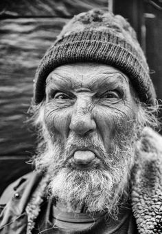 Crush Cul de Sac/ these wonderful, beautiful old people who do more than their share throughout life :). Photo Portrait, Portrait Photography, Mad Photography, Black And White Portraits, Black And White Photography, Photographie Portrait Inspiration, Old Faces, Face Expressions, Interesting Faces