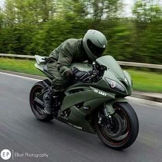 Yamaha R6 Army Edition