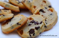 Gourmet Girl Cooks: Chocolate Chip Shortbread Cookies - Low Carb & Gluten Free