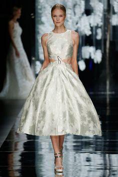 Vestido de novia Begur   Desfile Novias 2016