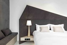 Gallery of Wheat Youth Arts Hotel / X+Living - 20