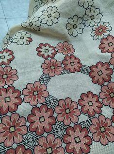 Cross Stitch, Quilts, Blanket, Dish Towels, Cushions, Punto De Cruz, Dots, Needlepoint, Art