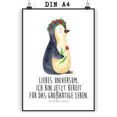 Poster DIN A4 Pinguin Blumenkranz aus Papier 160 Gramm  weiß - Das Original von Mr. & Mrs. Panda.  Jedes wunderschöne Motiv auf unseren Postern aus dem Hause Mr. & Mrs. Panda wird mit viel Liebe von Mrs. Panda handgezeichnet und entworfen.  Unsere Poster werden mit sehr hochwertigen Tinten gedruckt und sind 40 Jahre UV-Lichtbeständig und auch für Kinderzimmer absolut unbedenklich. Dein Poster wird sicher verpackt per Post geliefert.    Über unser Motiv Pinguin Blumenkranz      Verwendete…