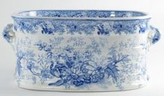 515: Antique Arabesque Porcelain Foot Bath : Lot 515