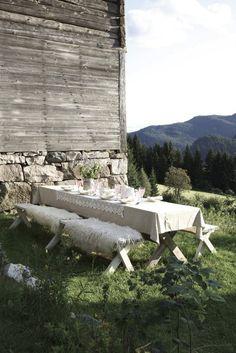 al fresco dining tablescape