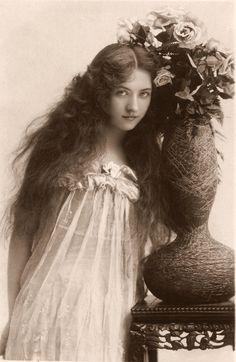 Edwardian Actress Maude Fealy