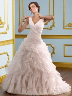 NO.0242044 2012 style ball gown vneck lace sleeveless sweep brush train organza wedding dress for brides