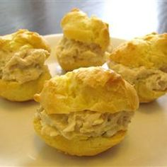 """Puffs - """"Puffs that you put tuna, ham, chicken, shrimp, or egg salads. Cold Appetizers, Appetizer Recipes, Snack Recipes, Cooking Recipes, Snacks, Crab Recipes, Pastry Recipes, Chicken Puffs, Salad Cream"""