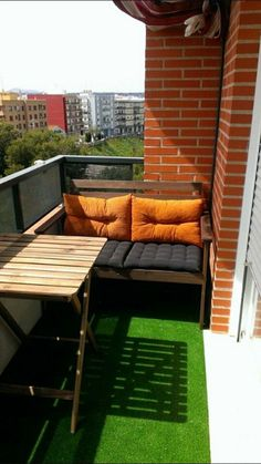 These are your best balkon design in the world Small Balcony Design, Small Balcony Decor, Small Terrace, Small Patio, Balcony Ideas, Balcony Bench, Tiny Balcony, Small Balconies, Apartment Balcony Garden