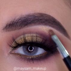 This 5 minute smokey eye tutorial is everything you need when you're running late! Make Up Tutorial Contouring, Makeup Tutorial Foundation, Easy Makeup Tutorial, Makeup Tips, Beauty Makeup, Face Makeup, Makeup Looks, Prom Hair Tutorial, Smokey Eye Tutorial
